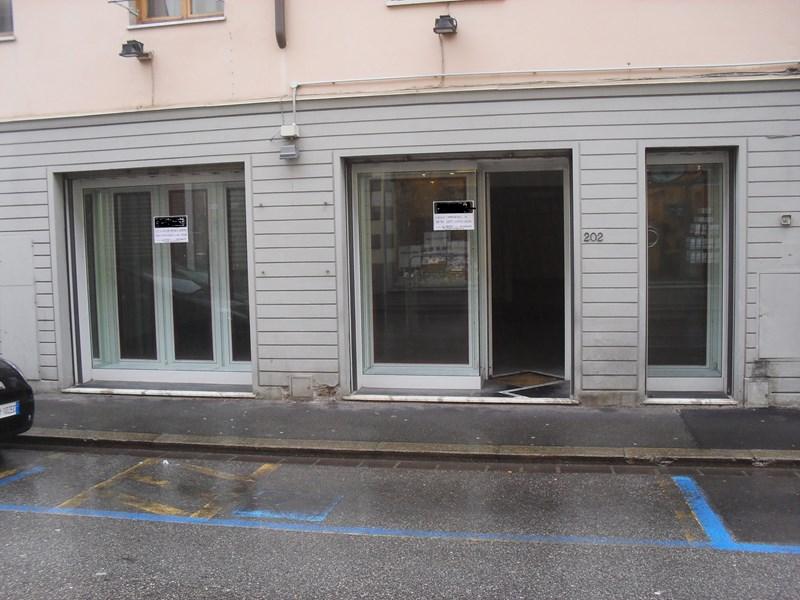 Negozio in Affitto a Sesto Fiorentino, zona centro, 1'600 ...